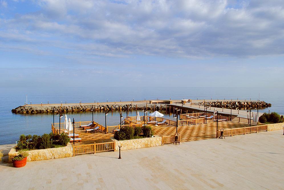 ada-beach-hotel-000.jpg