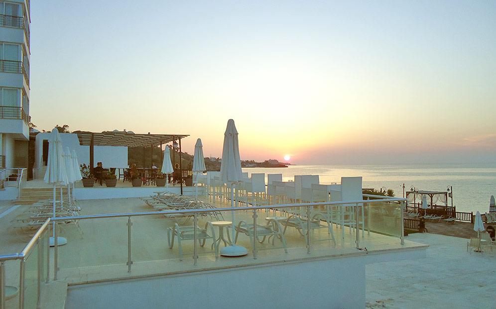 ada-beach-hotel-002.jpg