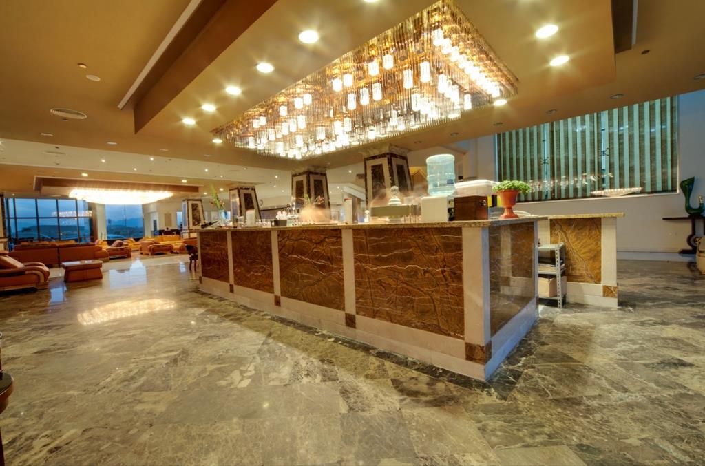 amc-royal-hotel-and-spa-general-00104