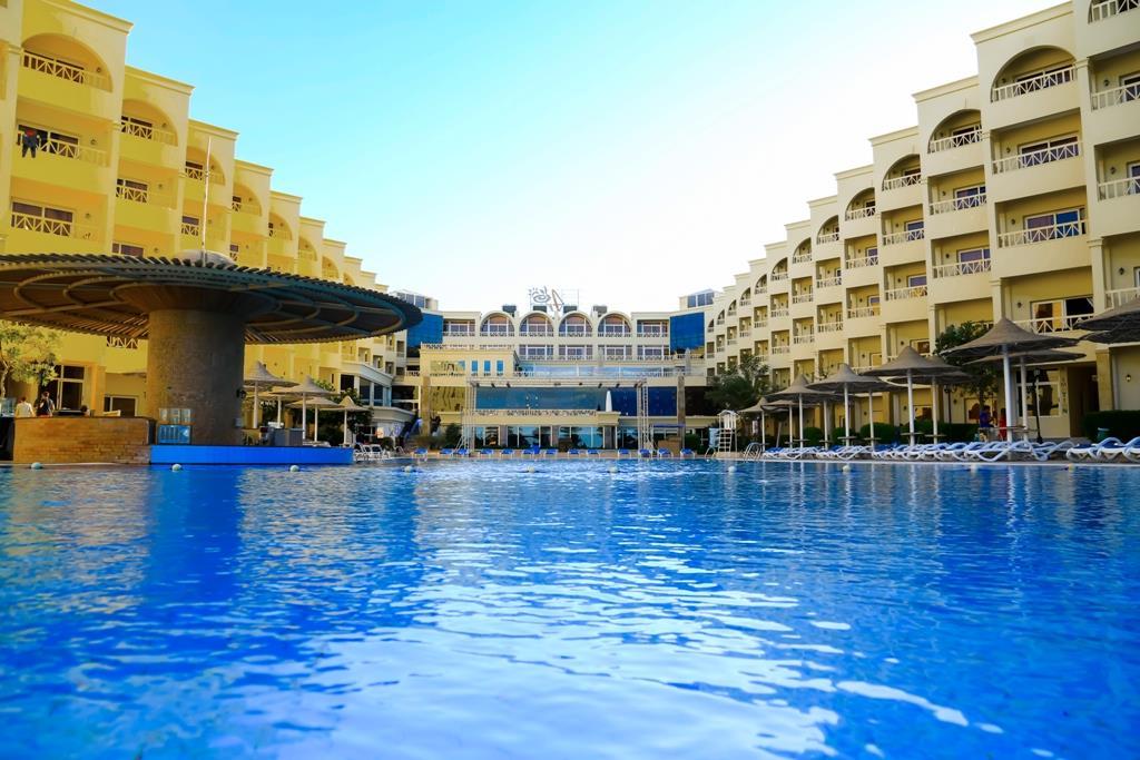 amc-royal-hotel-and-spa-general-00119
