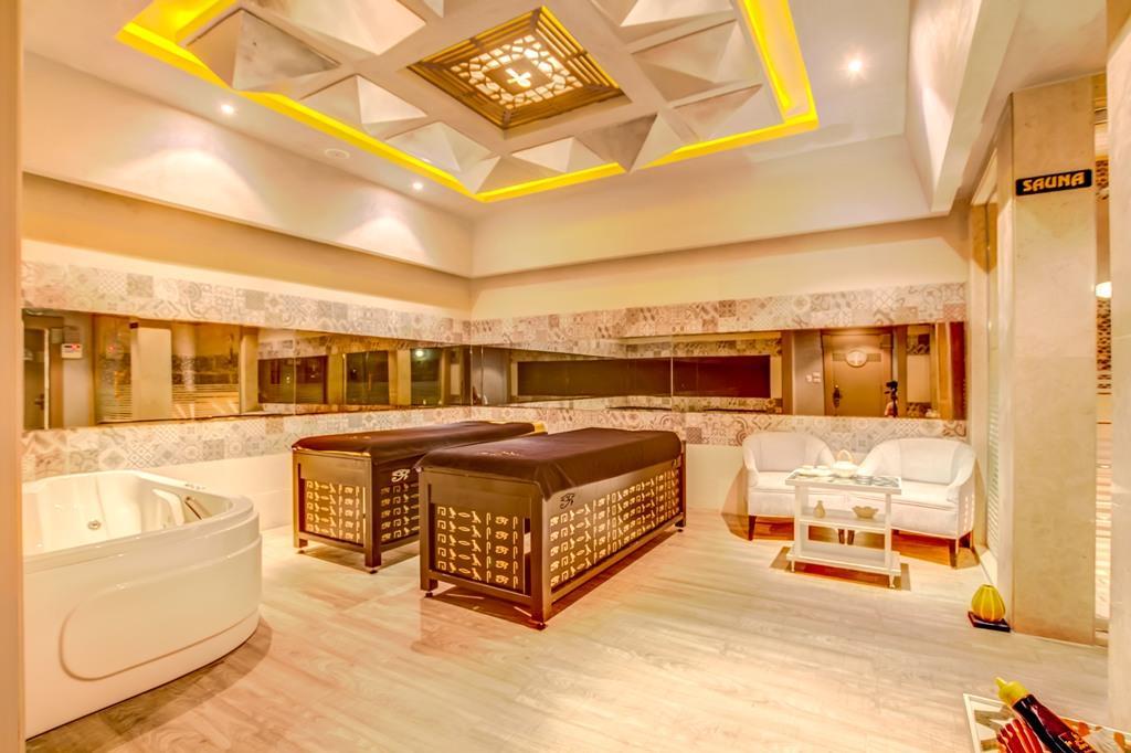 amc-royal-hotel-and-spa-general-0012