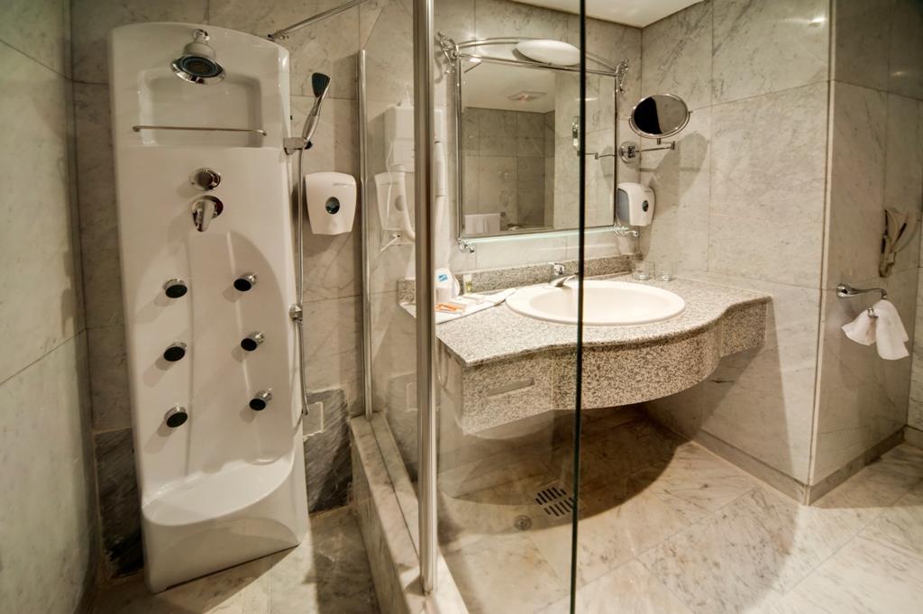 amc-royal-hotel-and-spa-general-00127
