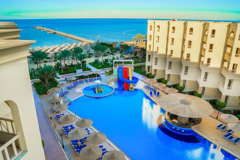 amc-royal-hotel-and-spa-general-004