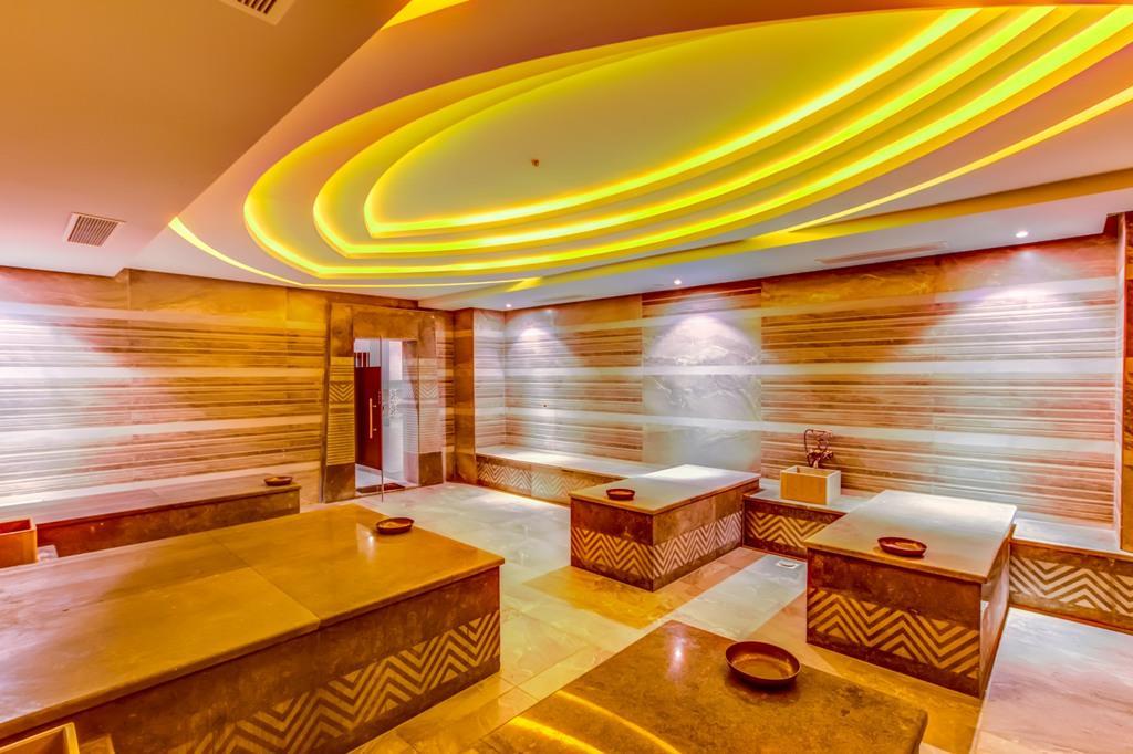 amc-royal-hotel-and-spa-general-008