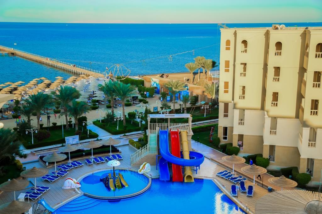 amc-royal-hotel-and-spa-general-009