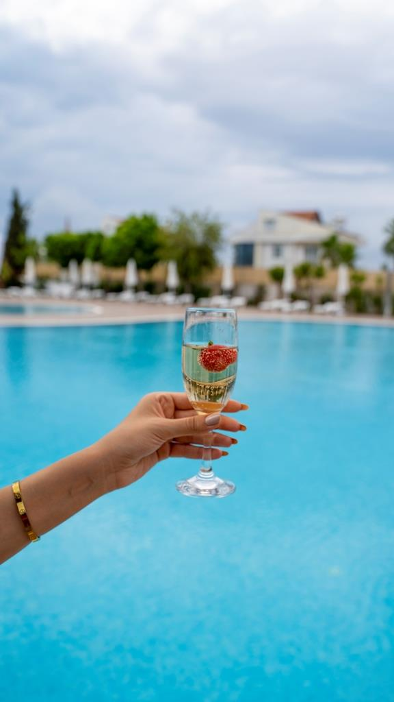 http://www.orextravel.sk/OREX/hotelphotos/amon-hotels-general-0081.JPG