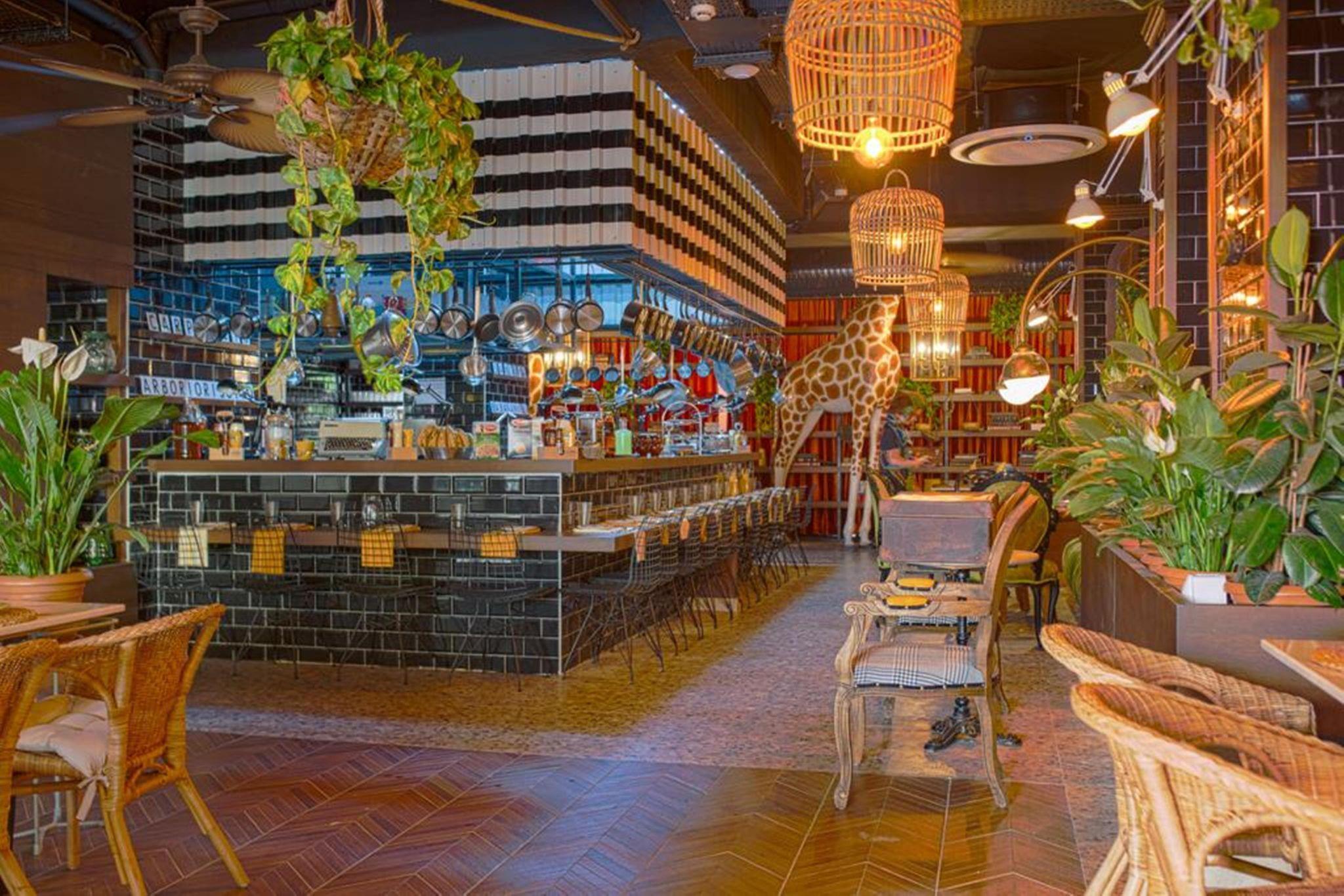 http://www.orextravel.sk/OREX/hotelphotos/anjeliq-downtown-hotel-general-0015.jpg