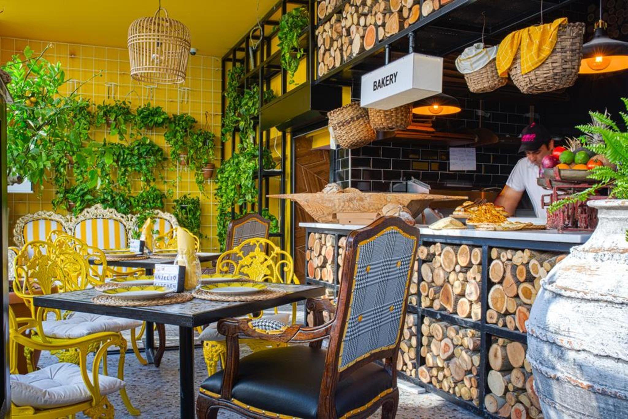 http://www.orextravel.sk/OREX/hotelphotos/anjeliq-downtown-hotel-general-006.jpg