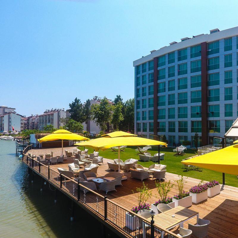 http://www.orextravel.sk/OREX/hotelphotos/aska-river-suite-area-003.jpg