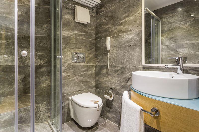 http://www.orextravel.sk/OREX/hotelphotos/aska-river-suite-area-005.jpg