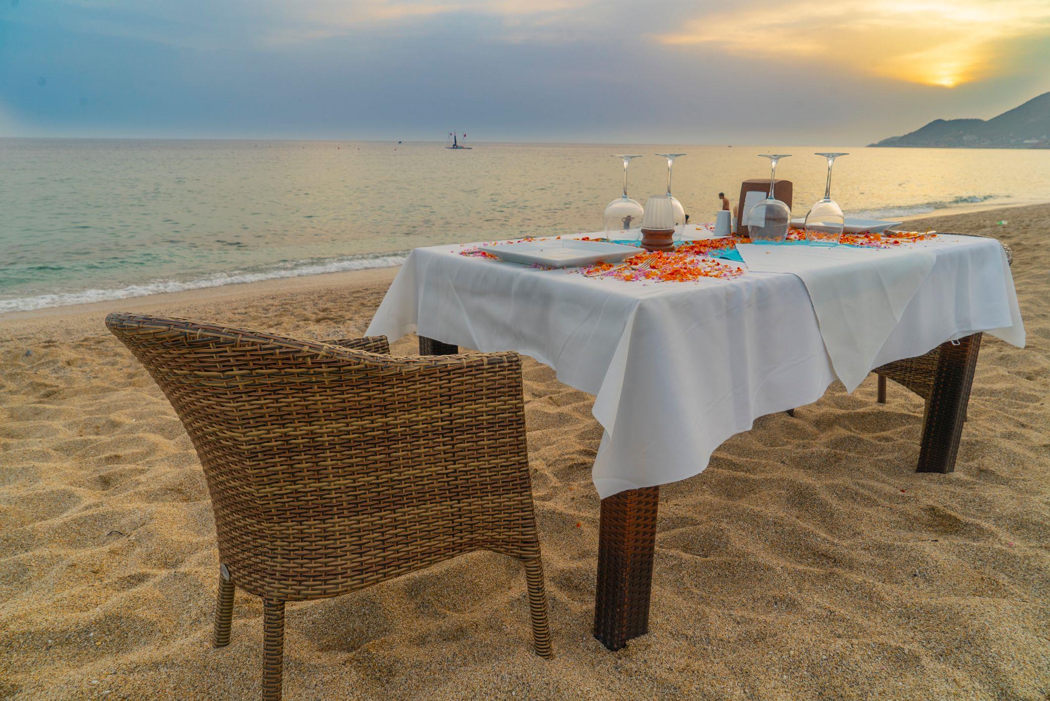 http://www.orextravel.sk/OREX/hotelphotos/azak-beach-general-0018.jpg
