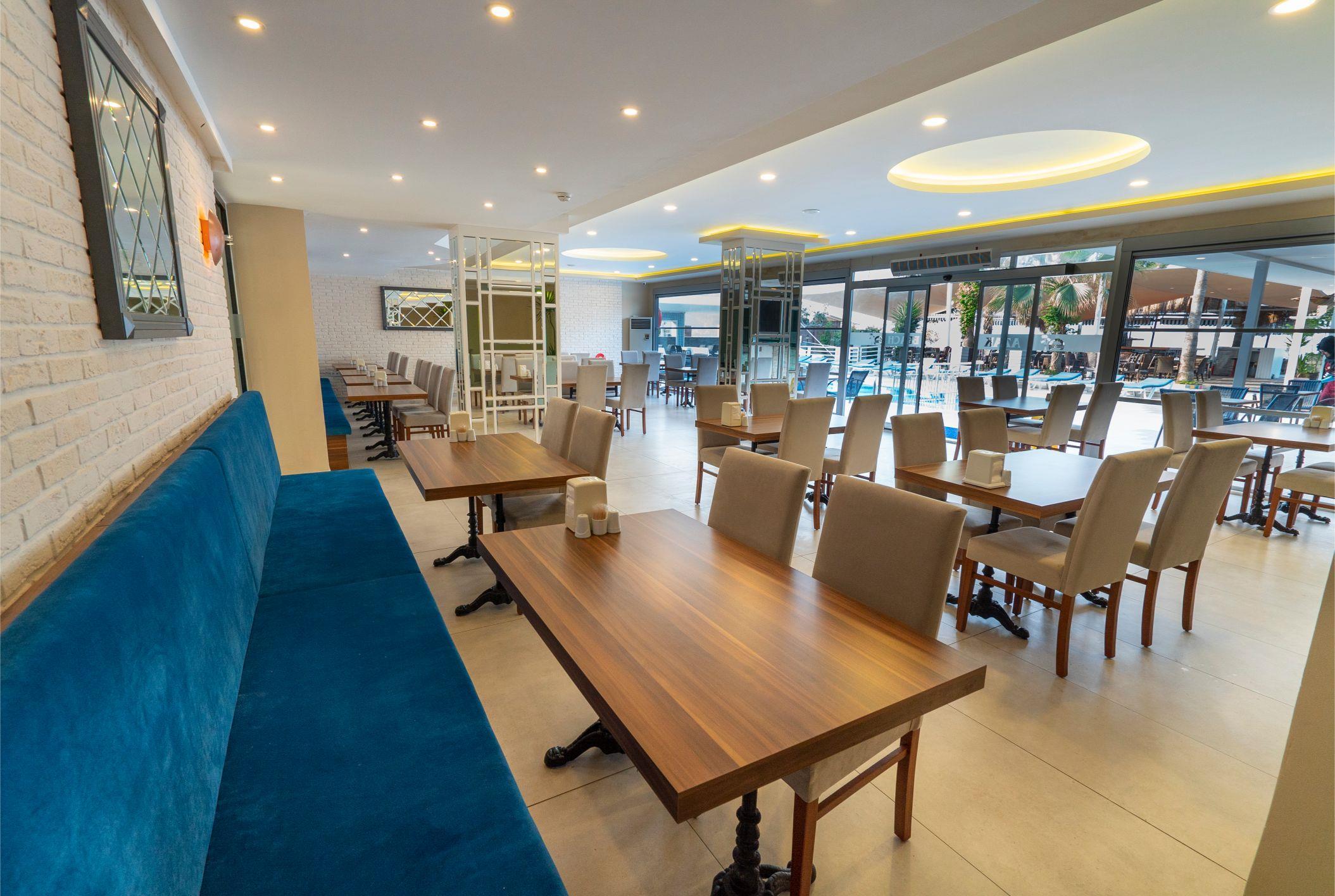 http://www.orextravel.sk/OREX/hotelphotos/azak-beach-general-0027.jpg