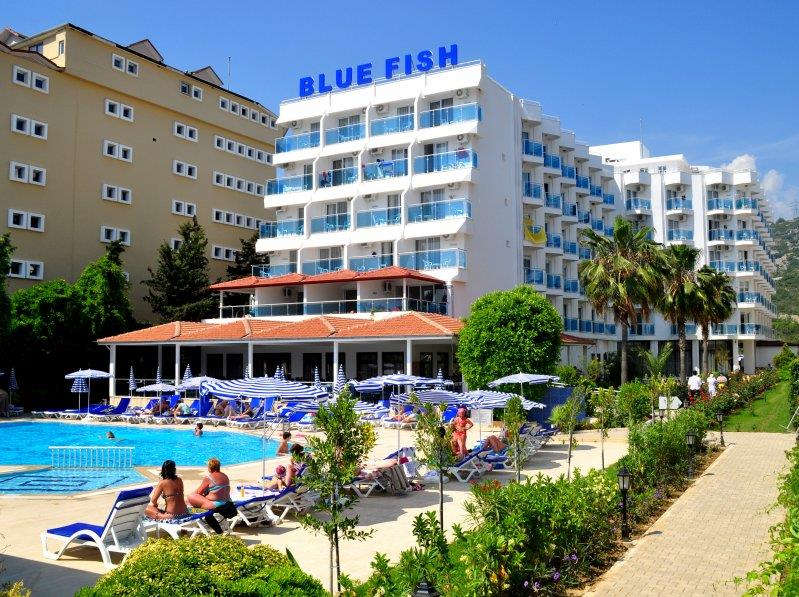 blue-fish-hotel-reception-001