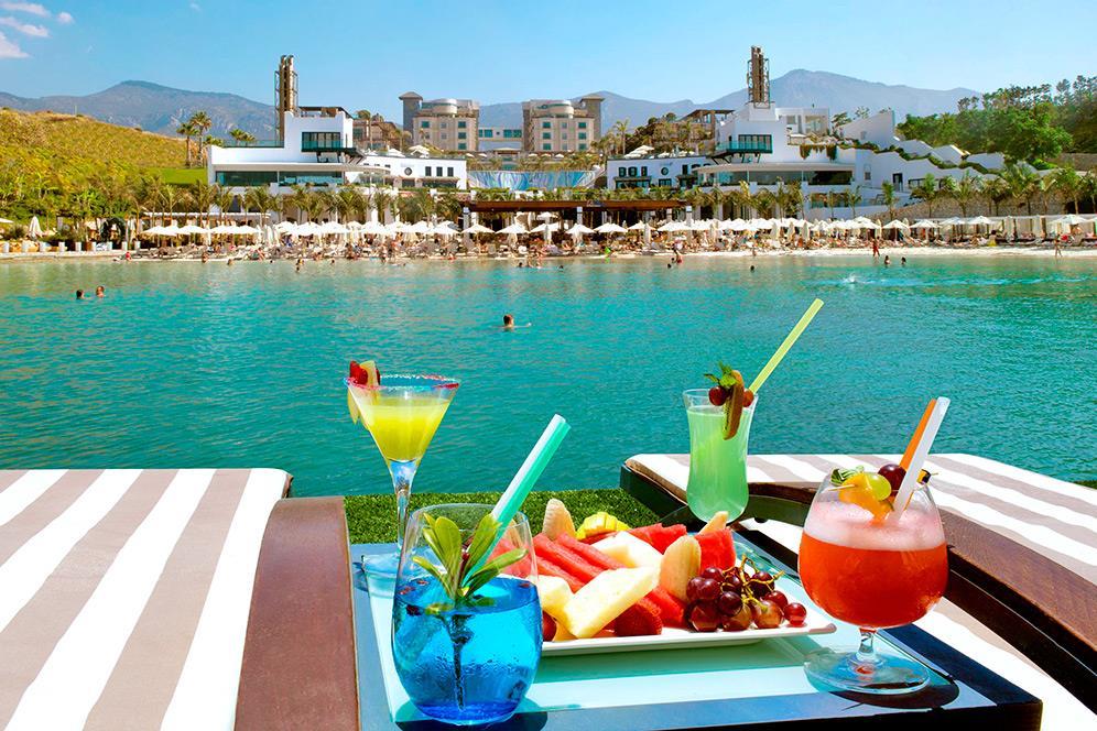 cratos-premium-hotel-002.jpg