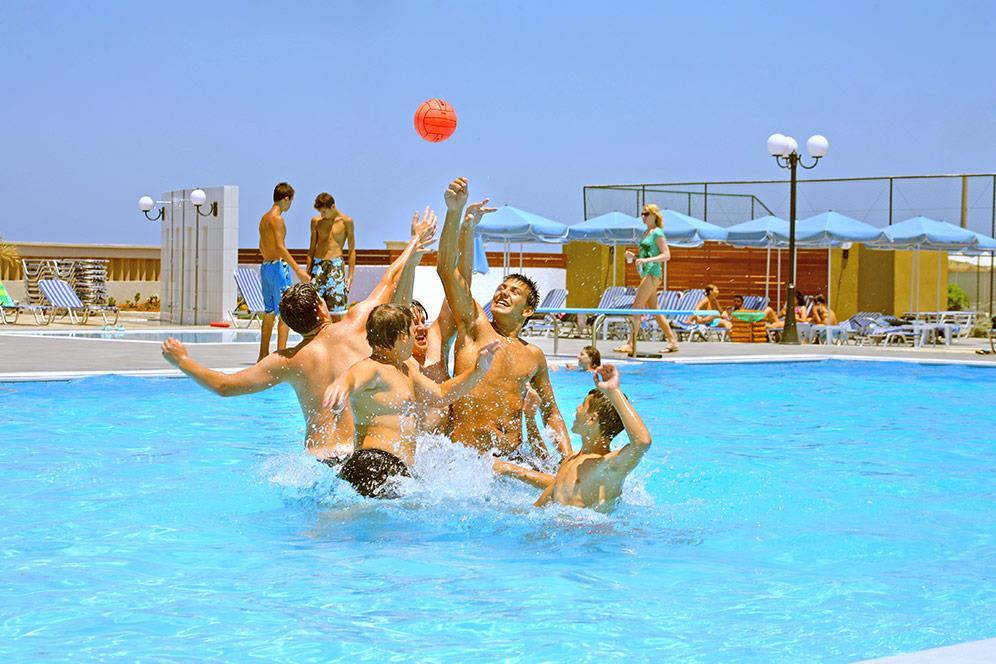 http://www.orextravel.sk/OREX/hotelphotos/europa-beach-003.jpg