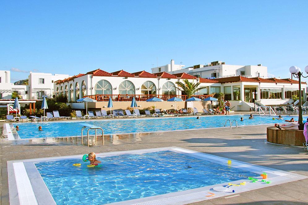 http://www.orextravel.sk/OREX/hotelphotos/europa-beach-014.jpg