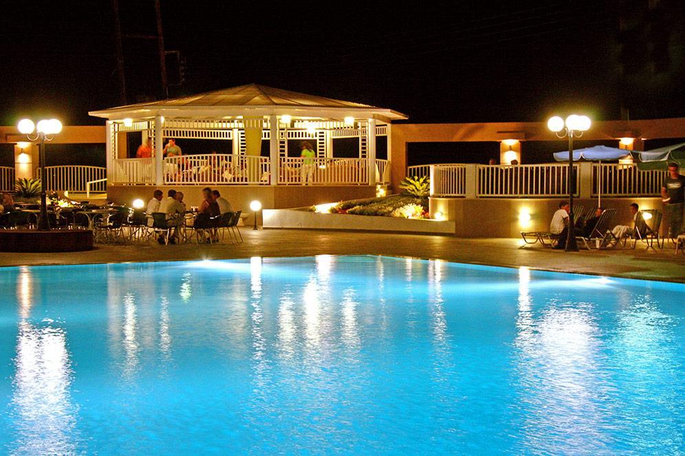 http://www.orextravel.sk/OREX/hotelphotos/europa-beach-019.jpg