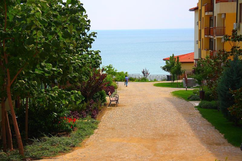http://www.orextravel.sk/OREX/hotelphotos/garden-of-eden-019.jpg