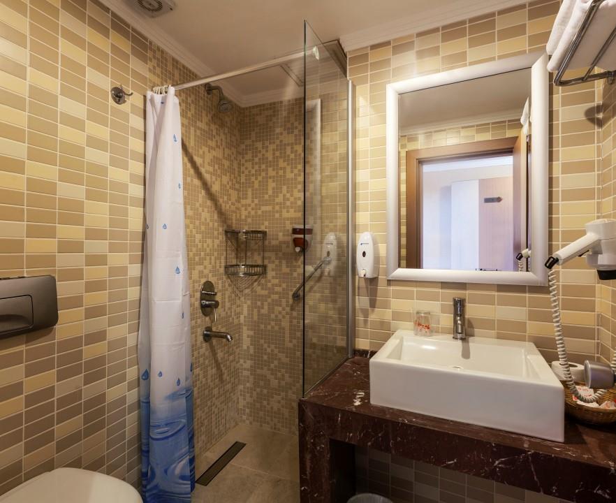 http://www.orextravel.sk/OREX/hotelphotos/hane-hotel-general-003.jpg