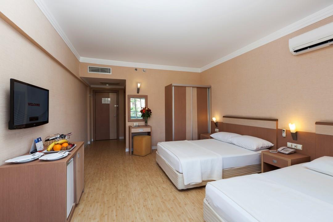 http://www.orextravel.sk/OREX/hotelphotos/hane-hotel-general-004.jpg