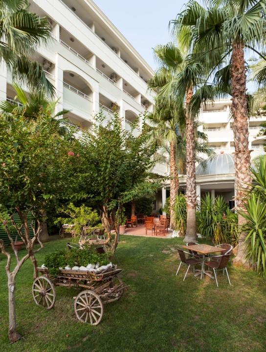 http://www.orextravel.sk/OREX/hotelphotos/hane-hotel-general-006.jpg