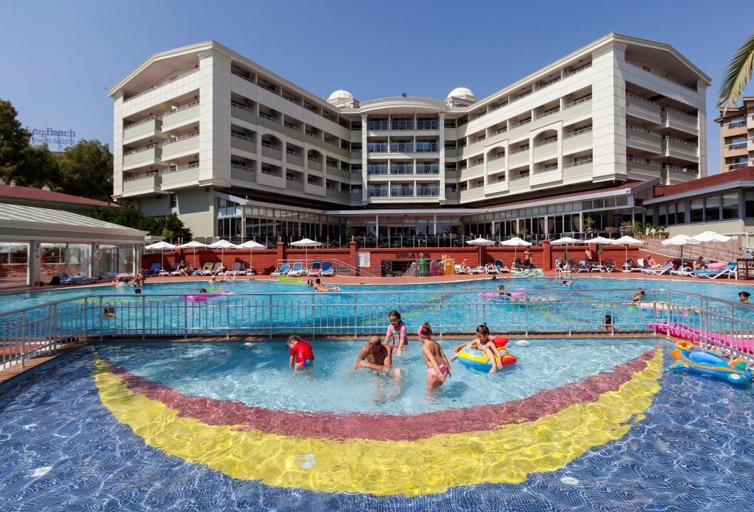 http://www.orextravel.sk/OREX/hotelphotos/hane-hotel-general-012.jpg