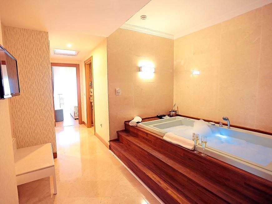 http://www.orextravel.sk/OREX/hotelphotos/heaven-beach-hotel-005.jpg