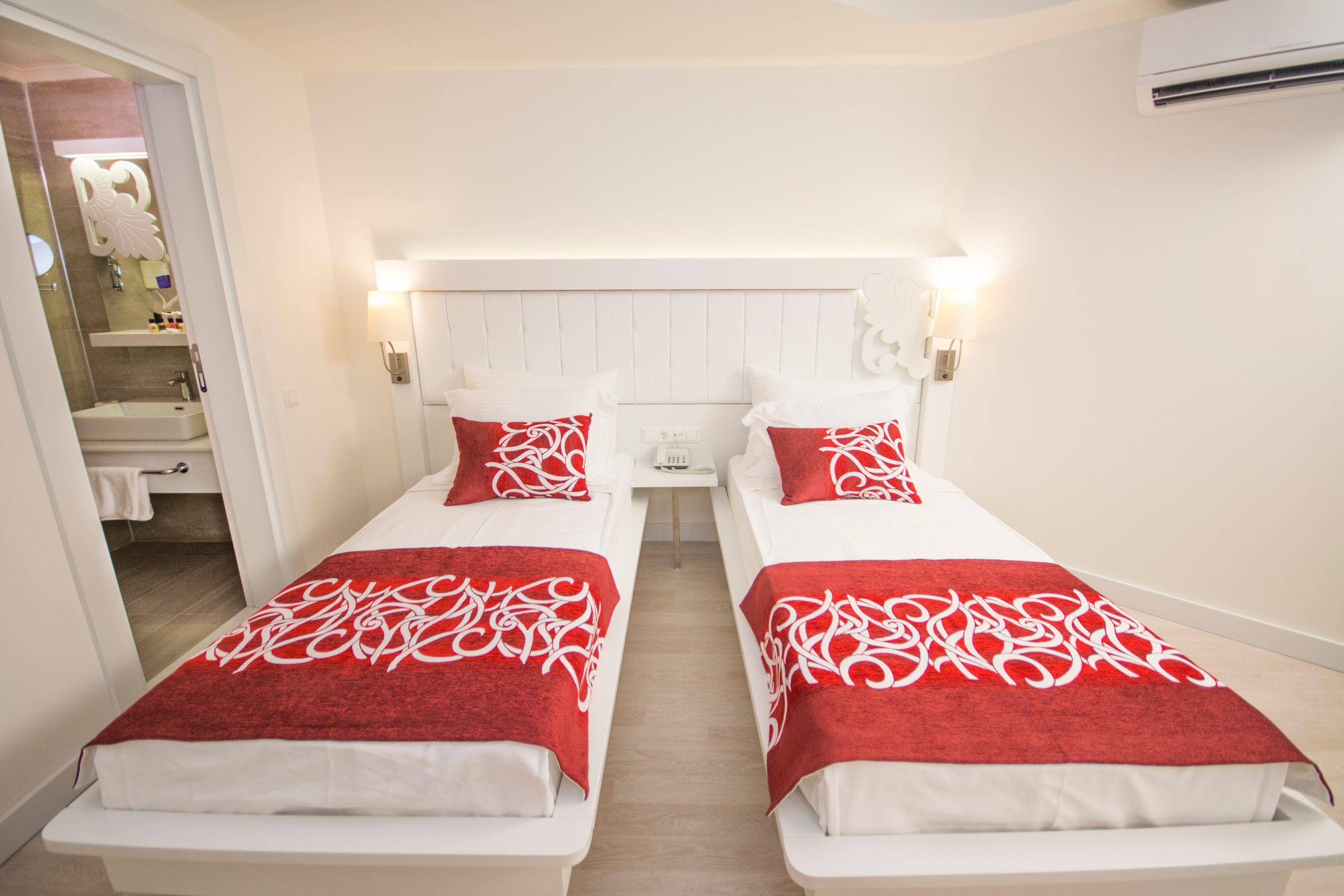 http://www.orextravel.sk/OREX/hotelphotos/laguna-beach-alya-general-0019.jpg