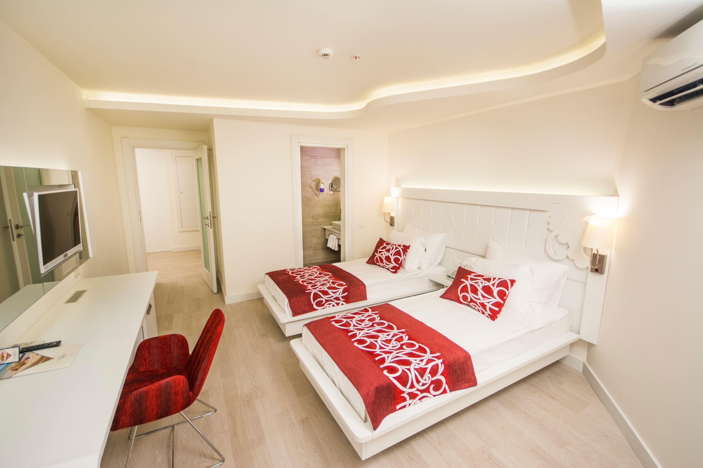 http://www.orextravel.sk/OREX/hotelphotos/laguna-beach-alya-general-0020.jpg