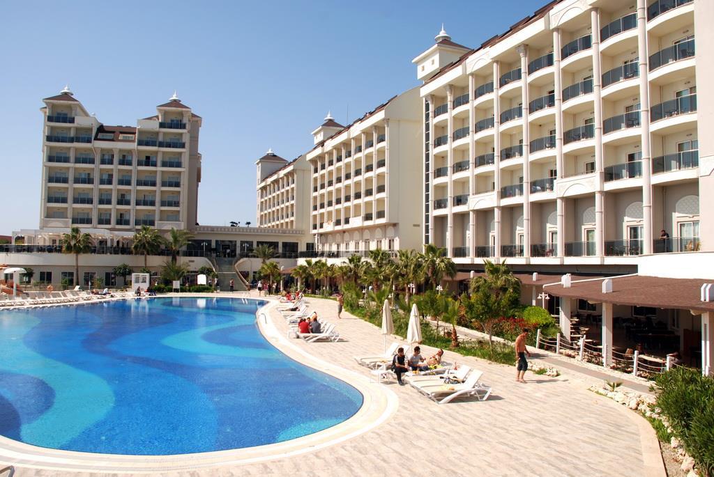lake-river-side-hotel-general-070.jpg