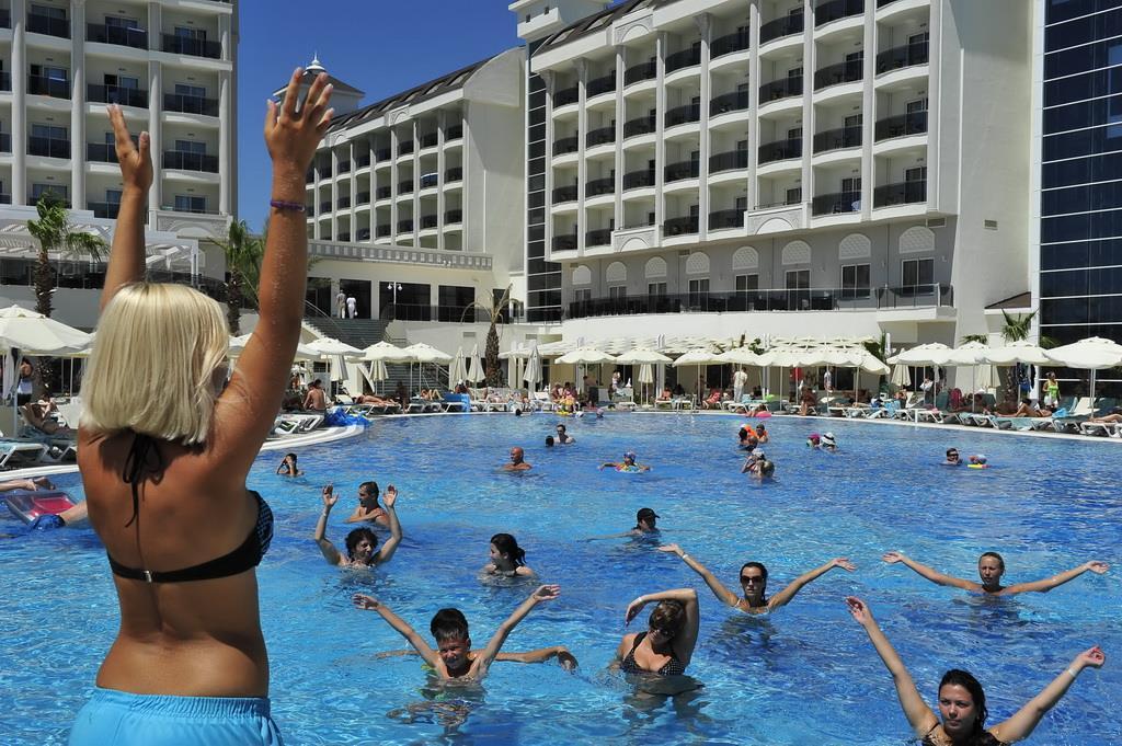 lake-river-side-hotel-general-074.jpg
