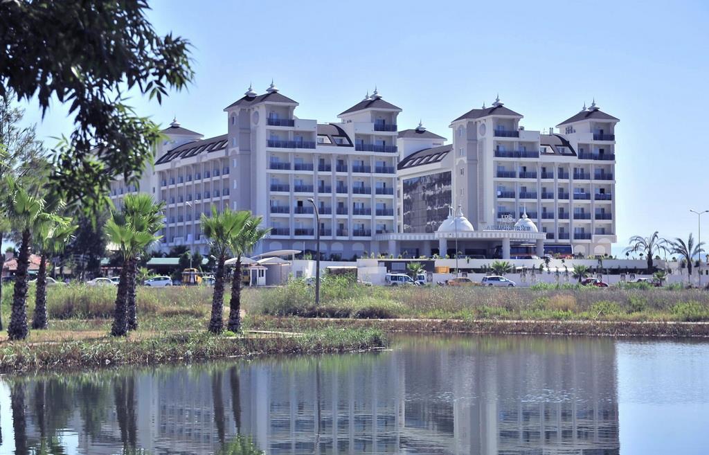 lake-river-side-hotel-general-086.jpg