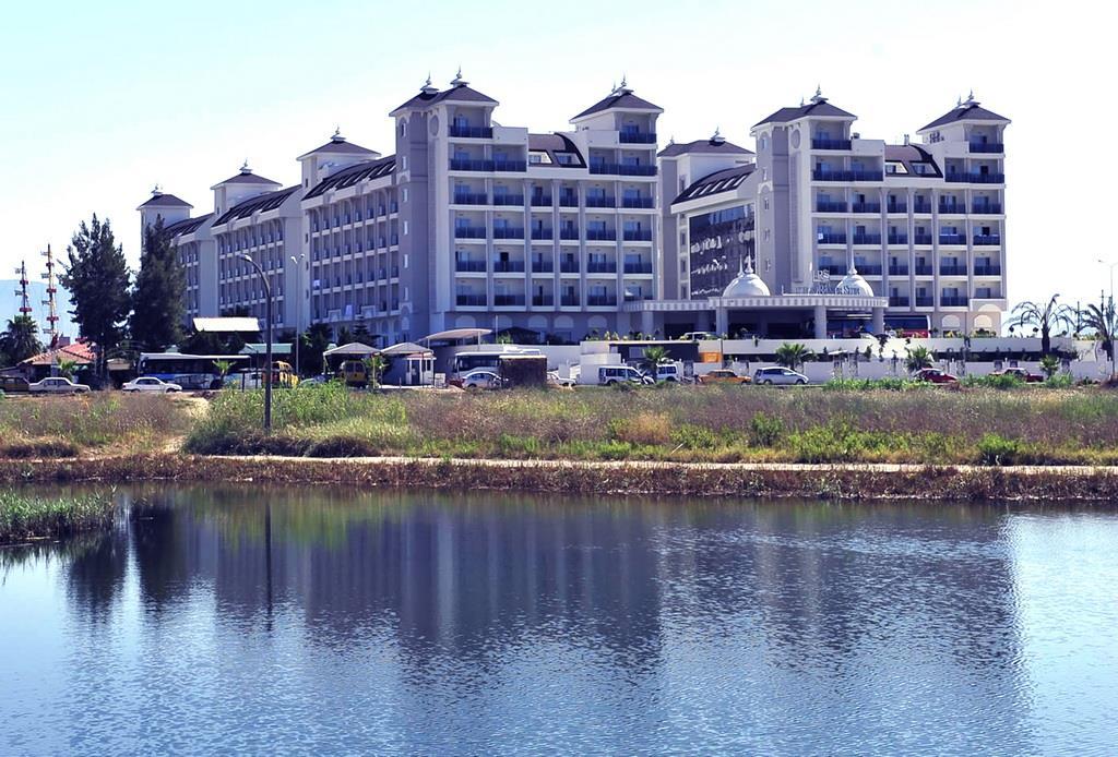 lake-river-side-hotel-general-097.jpg