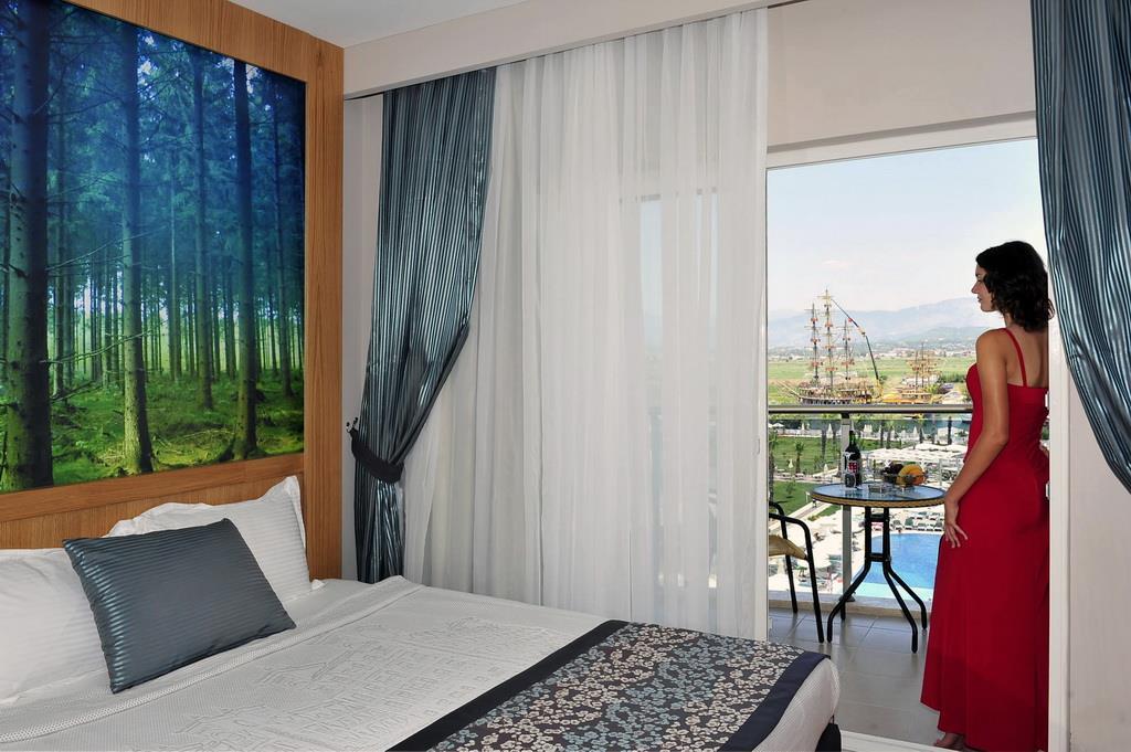lake-river-side-hotel-general-115.jpg