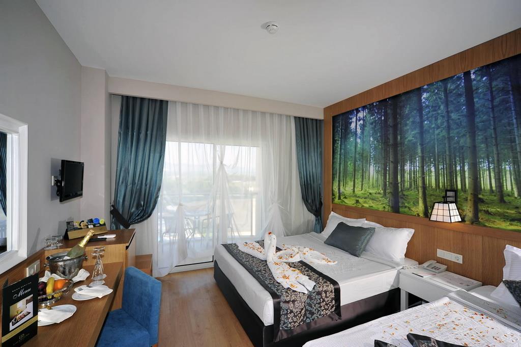 lake-river-side-hotel-general-117.jpg