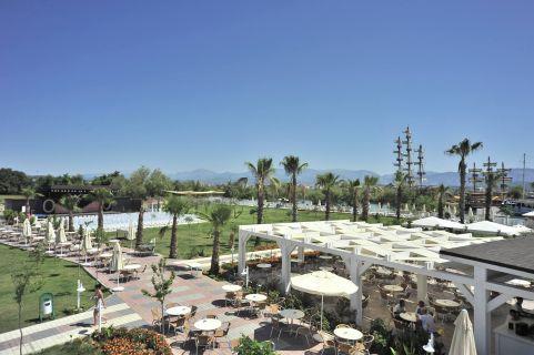 lake-river-side-hotel-reception-073.jpg