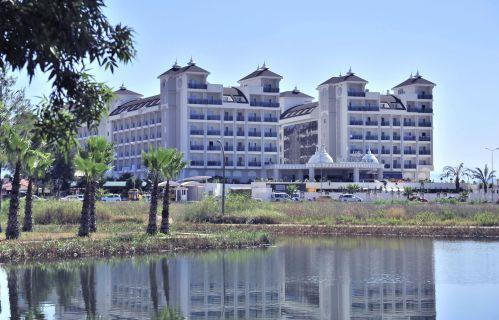 lake-river-side-hotel-reception-084.jpg