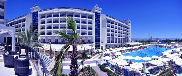 lake-river-side-hotel-reception-087.jpg