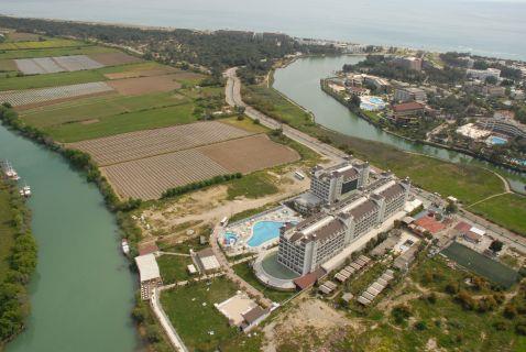 lake-river-side-hotel-reception-112.jpg