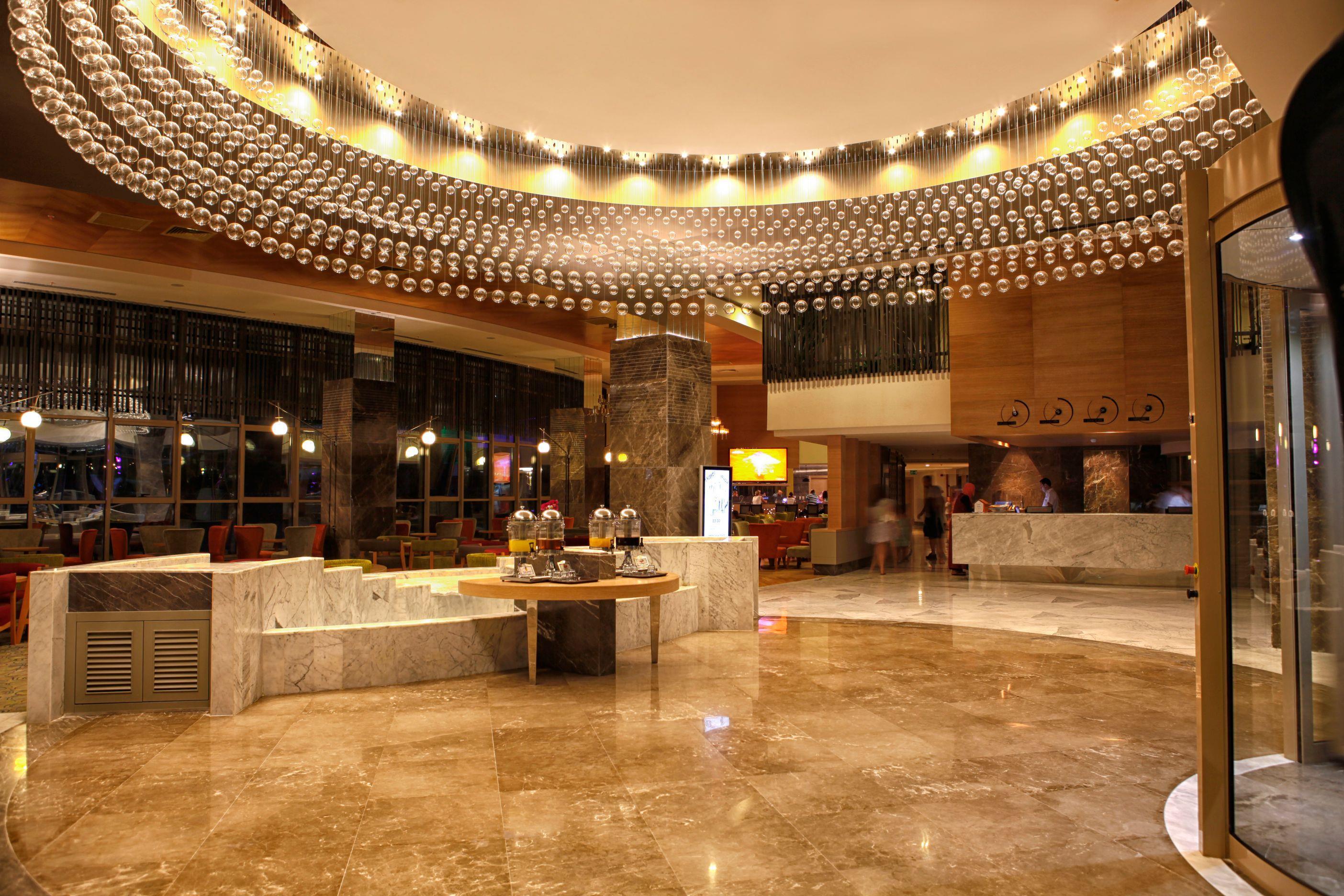 LONG BEACH HARMONY HOTEL*****