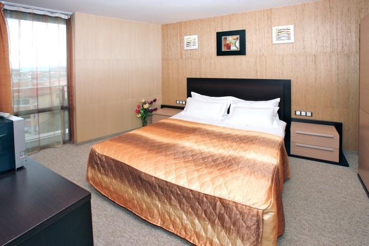 http://www.orextravel.sk/OREX/hotelphotos/marieta-palace-013.jpg