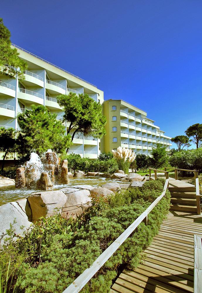 maritim-pine-beach-resort-000.jpg