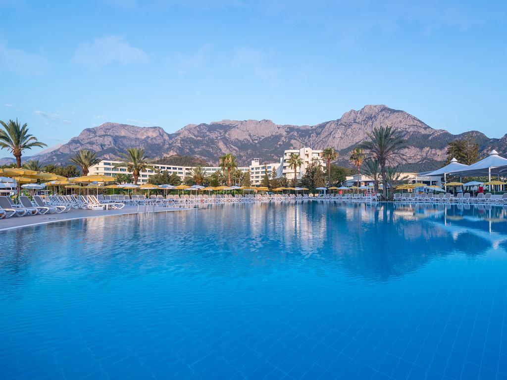 http://www.orextravel.sk/OREX/hotelphotos/mirage-park-resort-area-001.jpg