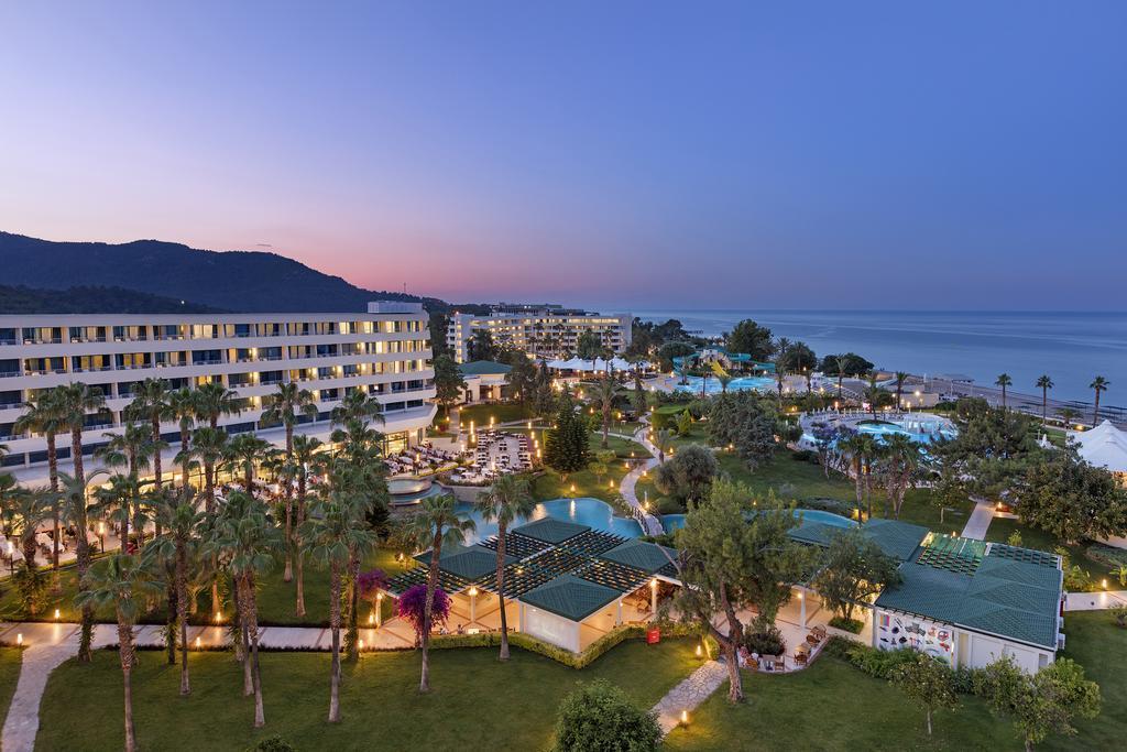 http://www.orextravel.sk/OREX/hotelphotos/mirage-park-resort-area-005.jpg