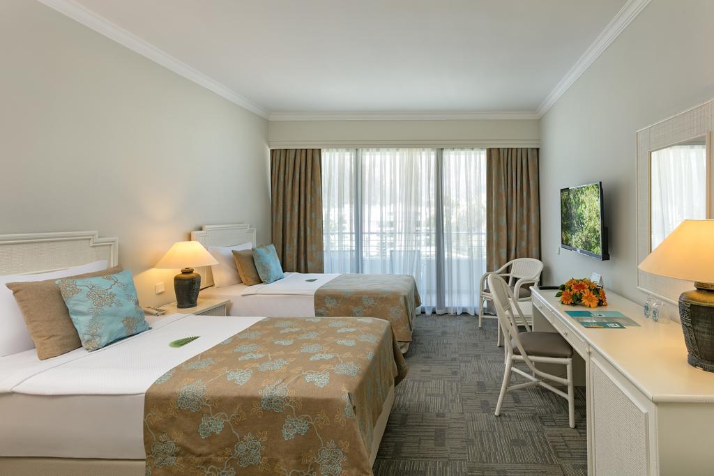 http://www.orextravel.sk/OREX/hotelphotos/mirage-park-resort-area-009.jpg