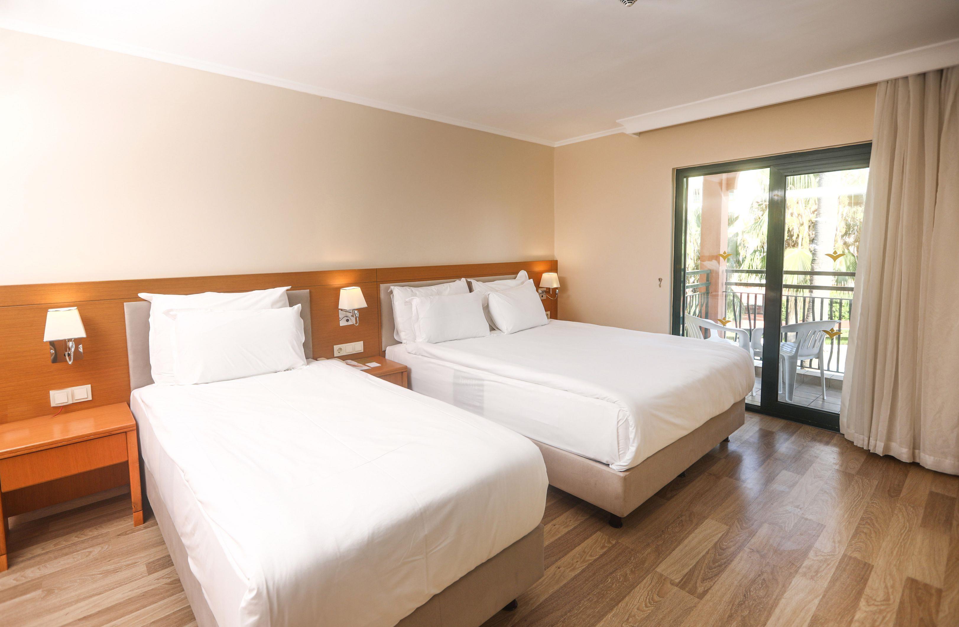 http://www.orextravel.sk/OREX/hotelphotos/miramare-queen-hotel-general-00100.jpg