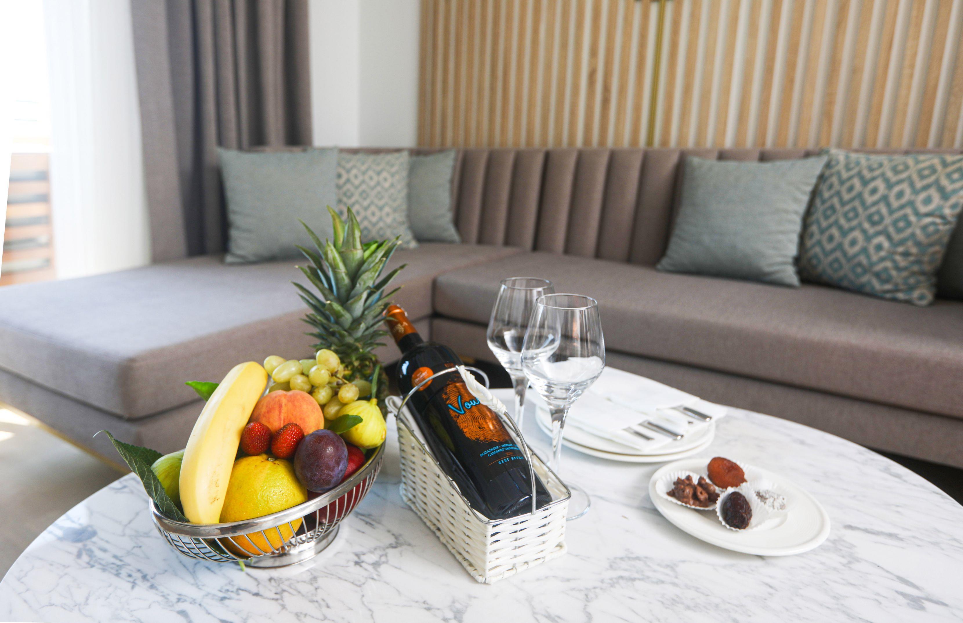 http://www.orextravel.sk/OREX/hotelphotos/miramare-queen-hotel-general-00102.jpg