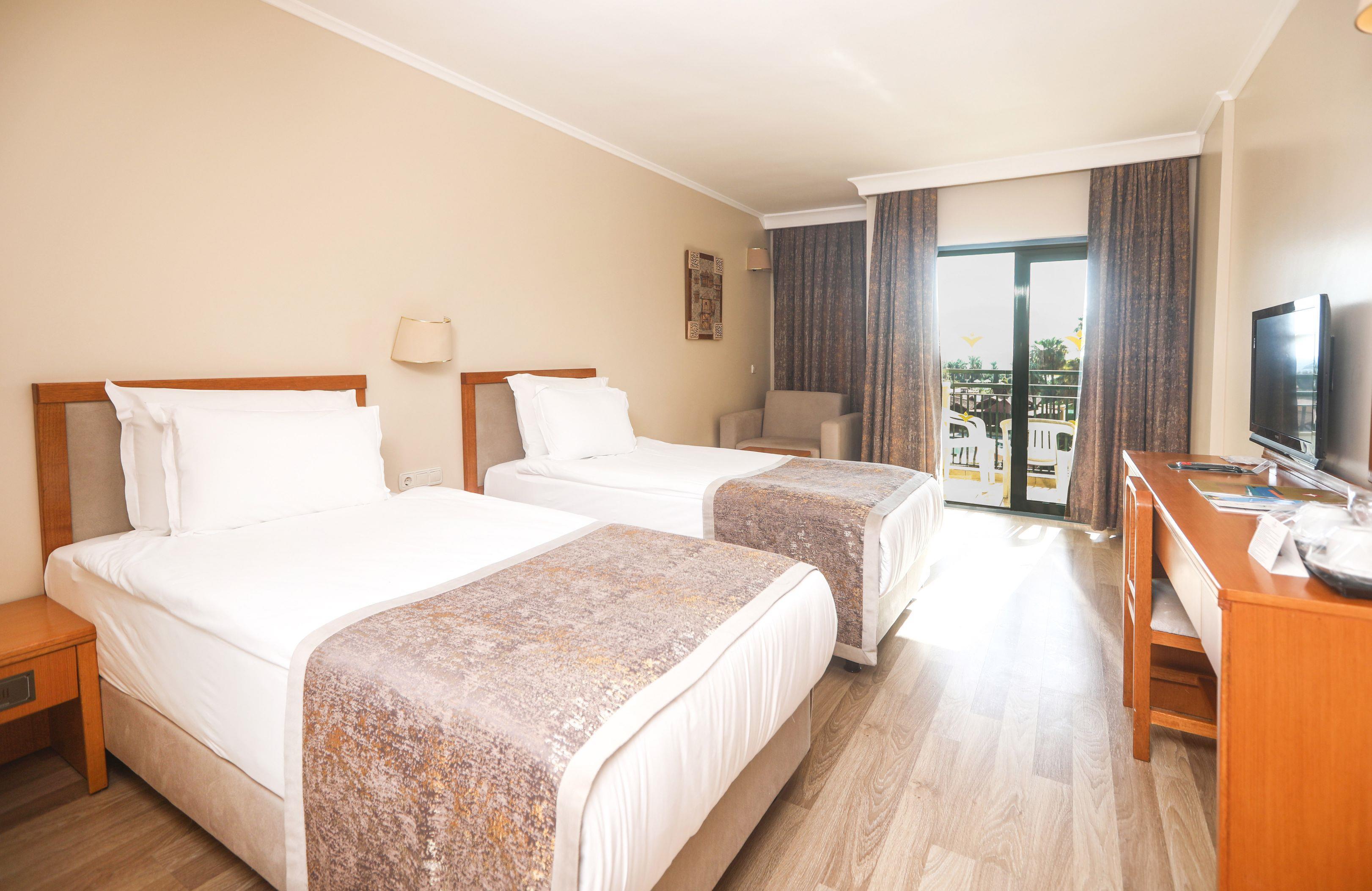 http://www.orextravel.sk/OREX/hotelphotos/miramare-queen-hotel-general-00108.jpg