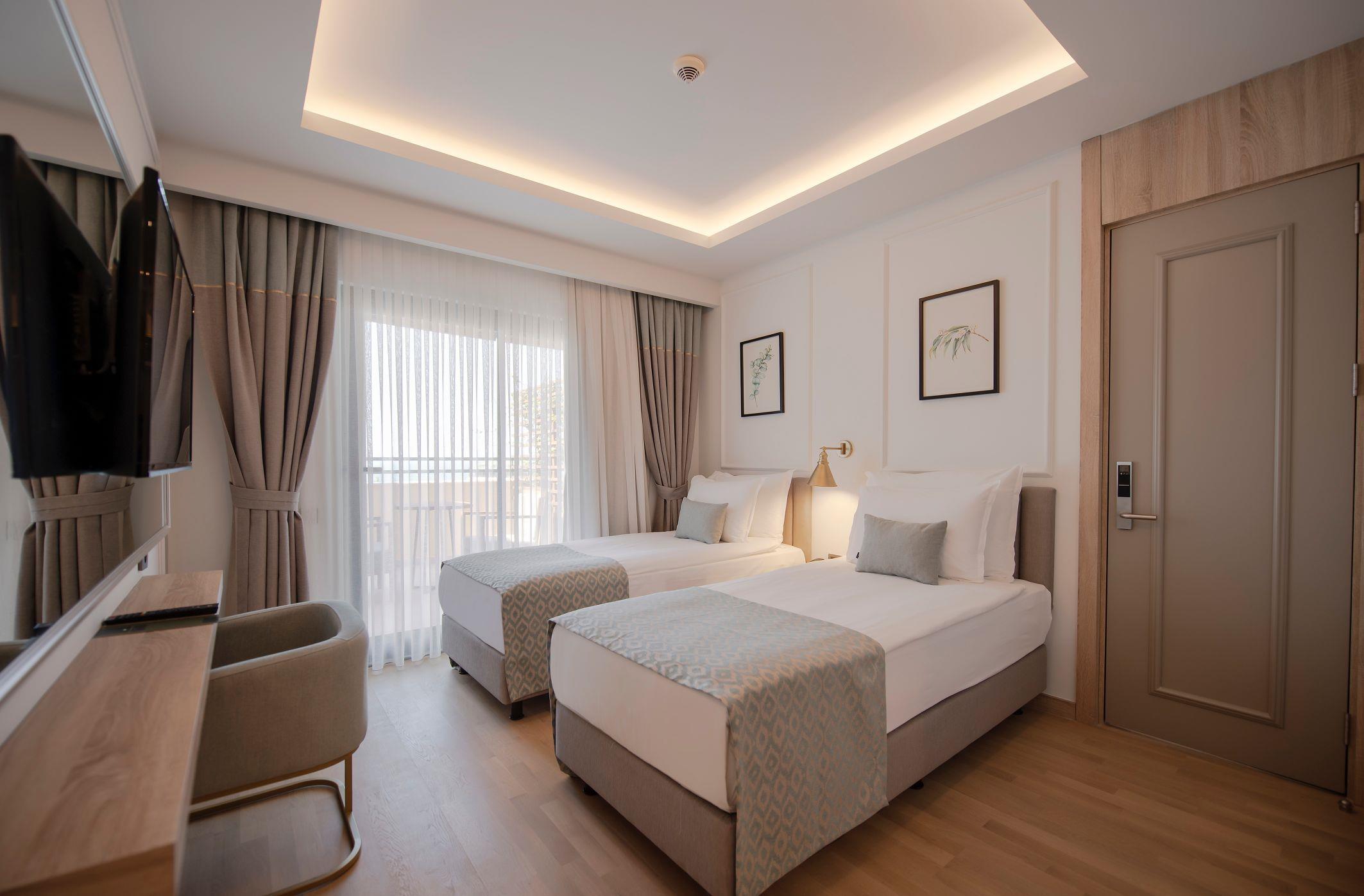 http://www.orextravel.sk/OREX/hotelphotos/miramare-queen-hotel-general-0024.jpg