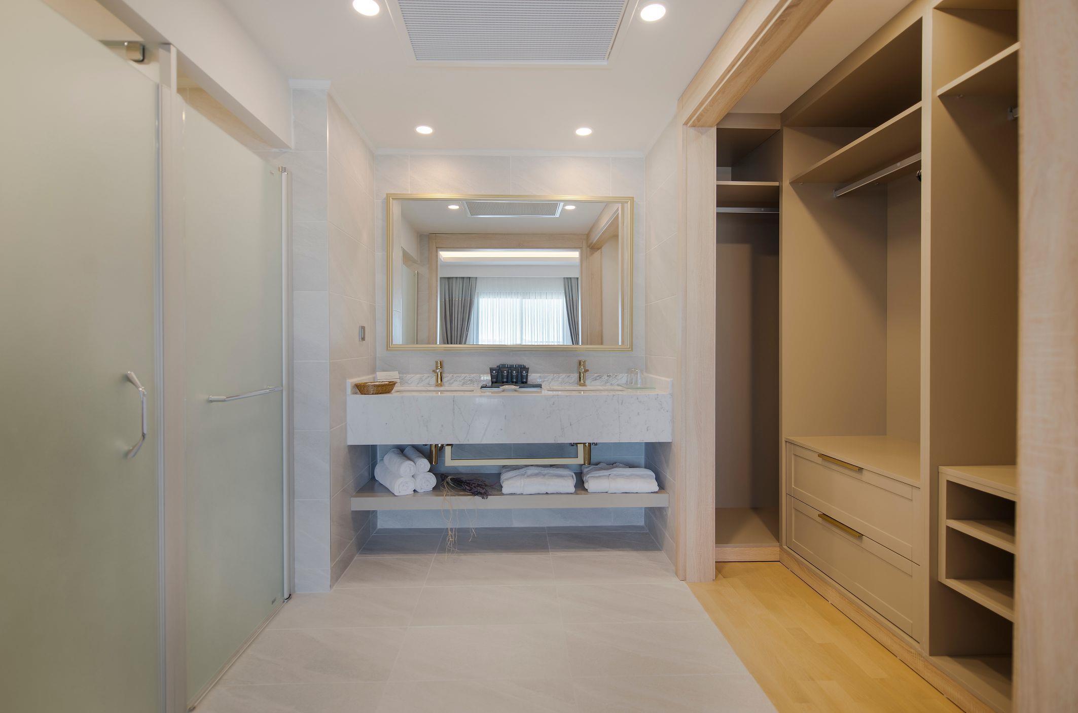 http://www.orextravel.sk/OREX/hotelphotos/miramare-queen-hotel-general-0033.jpg